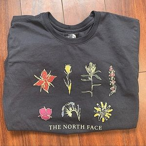 THE NORTH FACE FLORAL BLACK SHORT SLEEVE TSHIRT